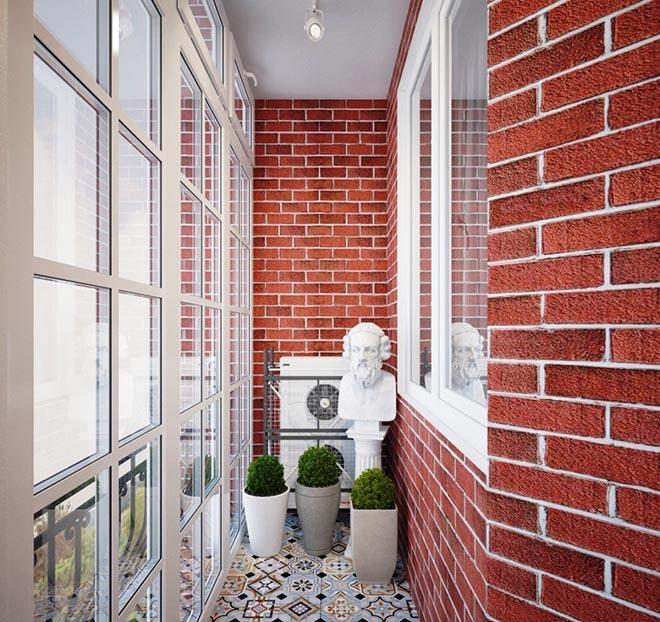 Кирпичная стена на балконе