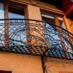 Фото 8 Виды и стили кованых балконов: топ-55 фото оригинальных идей