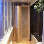 Фото 3 обустройство гардеробной на балконе или лоджии