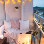 спальное место на открытом балконе