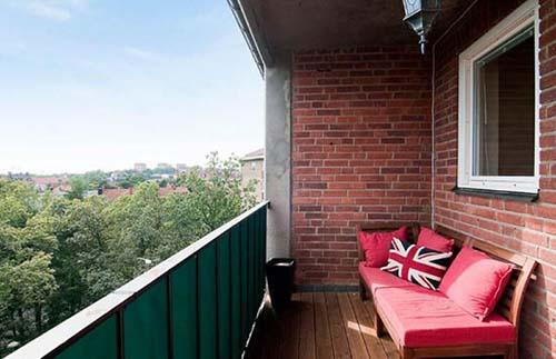 кирпичные стены на балконе