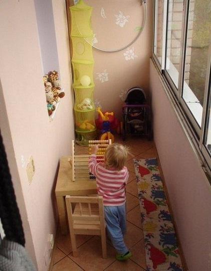 игровая на балконе