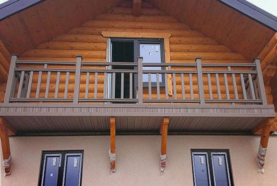 Деревянный балкон приставного типа