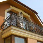 Фото 27 Виды и стили кованых балконов: топ-55 фото оригинальных идей