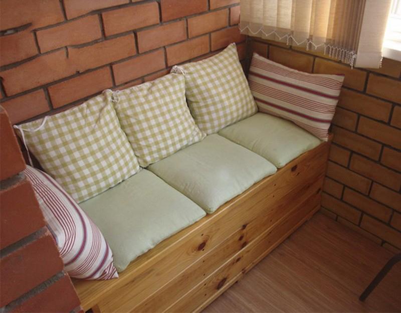 самодельный диван для балкона