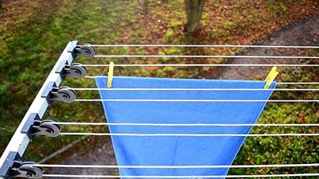 наружная сушилка для балкона на роликах