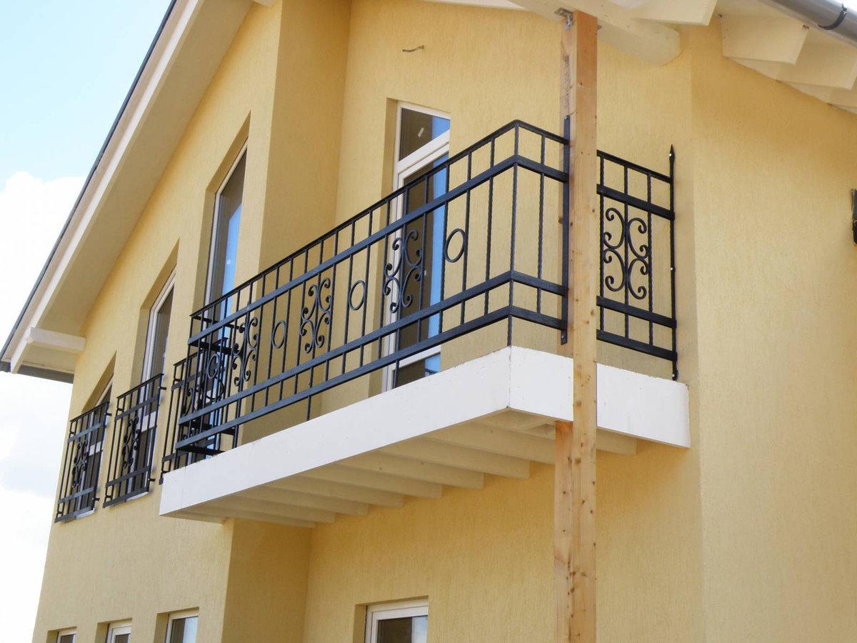 Балкон в доме на одну семью - преимущества и недостатки