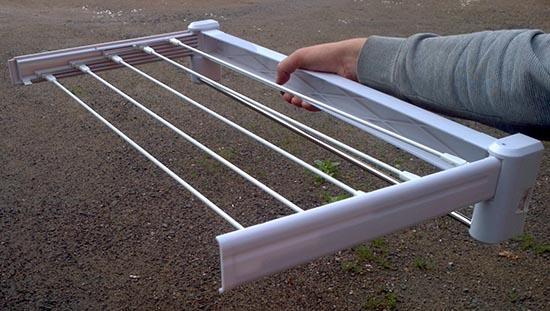 пластиковая сушилка для балкона