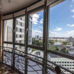 Фото 27 Идеи дизайна лоджии и балкона с панорамным остеклением