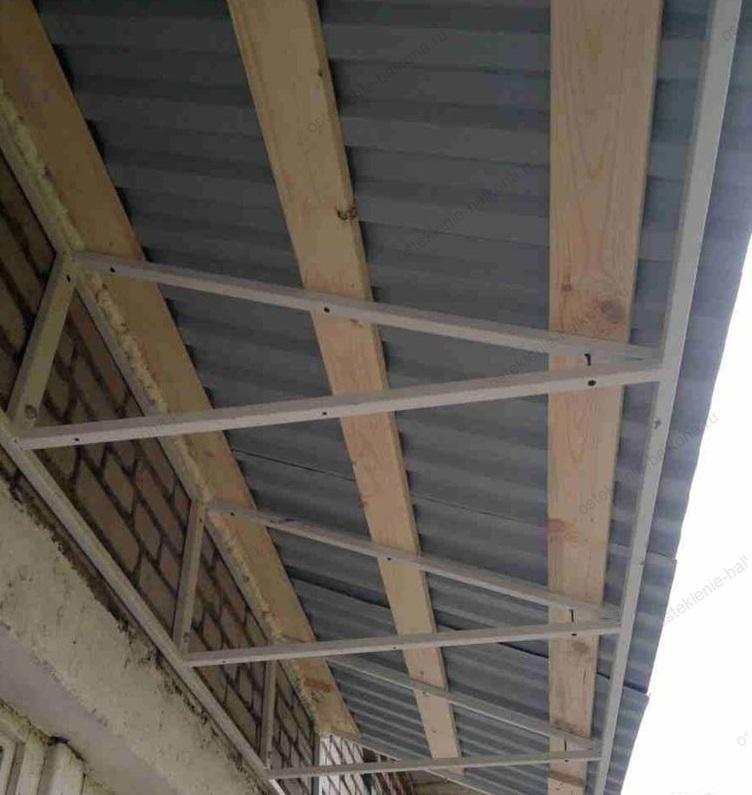 деревянный каркас для балконного козырька