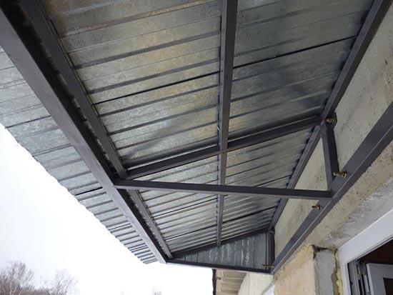 металлическая крыша на балкон