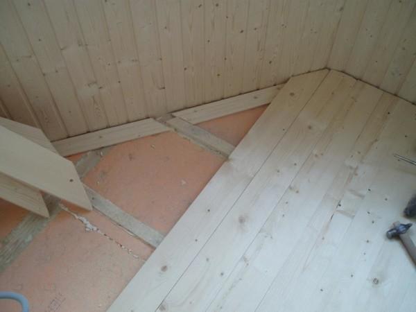 поднятие пола деревянными лагами