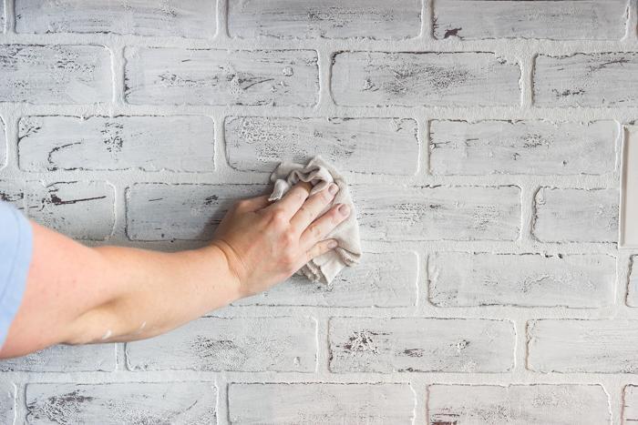 уход за кирпичной стеной