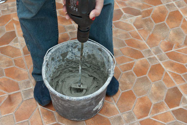 подготовка клея к монтажу декоративного камня