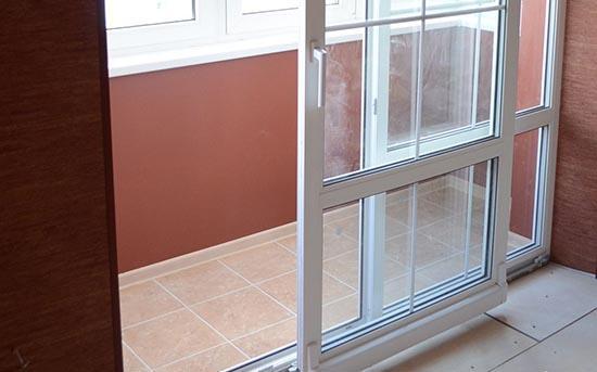 раздвижная балконная дверь