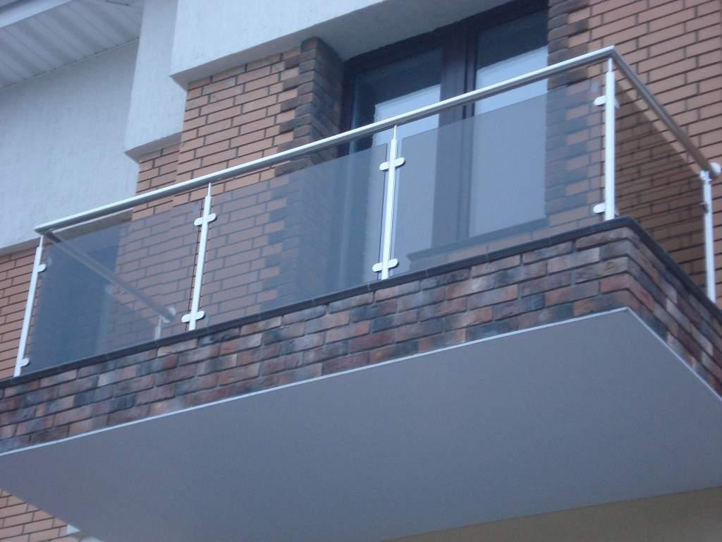 балкон из нержавеющей стали