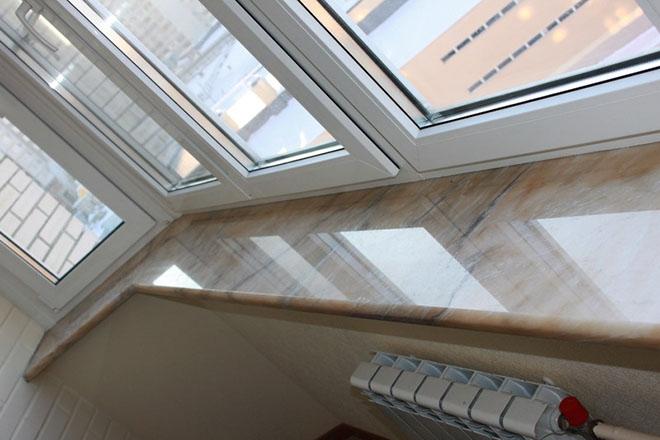 Виды и установка подоконника на балконе или лоджии своими руками - пошаговая инструкция