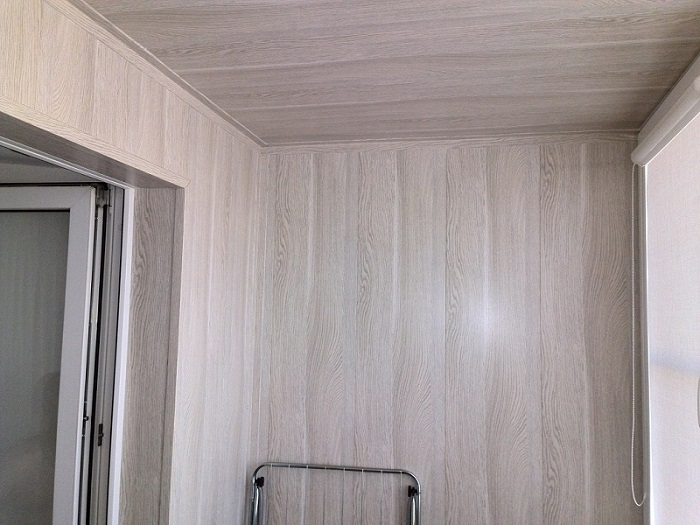 лоджия отделанная МДФ панелями