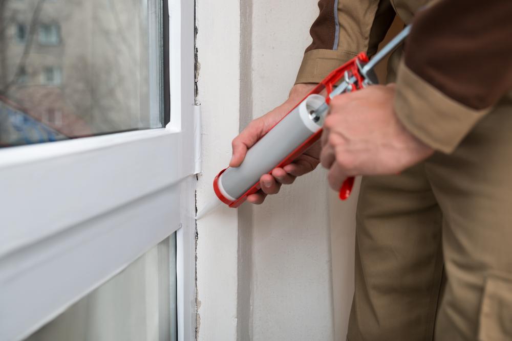 Как утеплить пластиковую или деревянную балконную дверь своими руками - пошаговая инструкция