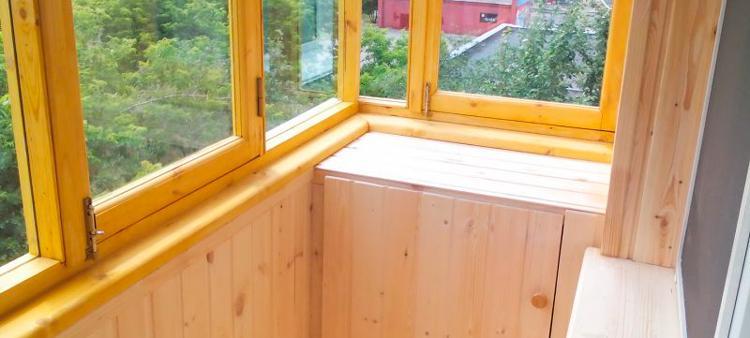Как облагородить балкон своими силами: советы от А до Я